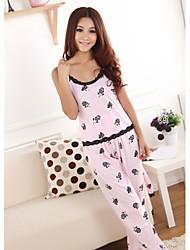 rosa pijama patrón lindo de la mujer