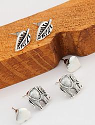 Boucles d'oreille goujon Bijoux Alliage Original Géométrique Simple Style Le style mignon Forme de Coeur Forme de Feuille BijouxBlanc
