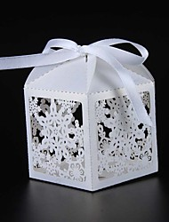 50pcs/lots Christma Laser Cut Snowflake Candy box Wedding Favor Box wedding party gift box wedding favors and gifts decoration