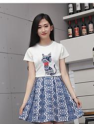 2017 весной и летом женщины&# 39, S мультфильм кошка вышивка патч футболка + синий и белый жаккард юбка костюм