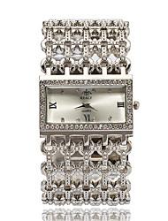 Женские Модные часы Наручные часы Часы-браслет Имитация Алмазный Стразы Кварцевый сплав Группа Элегантные часыСеребристый металл