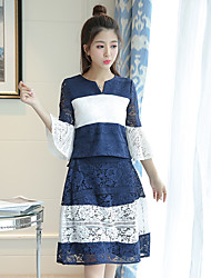Real shot hit the color small V-neck lace jacket + lace waist big swing skirts two-piece suit
