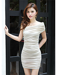 2017 new short-sleeved solid color fold shoulder dress wrapped chest sexy lady