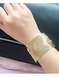 Femme Manchettes Bracelets Alliage Amitié Gothique Mode Style Punk Hip-Hop Pierre Forme Ovale Or Argent Bijoux 1pc
