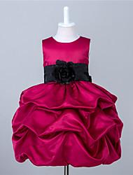 A-line платье девушки цветка длины колена - стрейч атласная безрукавная жемчужина с складками
