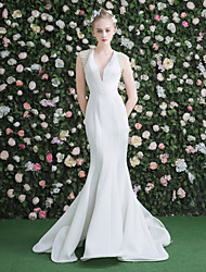 Mermaid / Trumpet V-neck Sweep / Brush Train Velvet Wedding Dress with Beading Pearl
