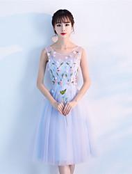 A-ligne scoop neck thé longueur robe de cocktail en tulle avec appliques de perles