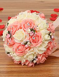 um buquê de 30 rosas pe noiva do casamento de simulação buquê de casamento segurando flores, rosa e branco