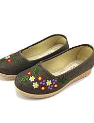 Для женщин Мокасины и Свитер Удобная обувь Ткань Весна Осень Повседневные Удобная обувь Цветы На плоской подошве Серый КрасныйМенее 2,5