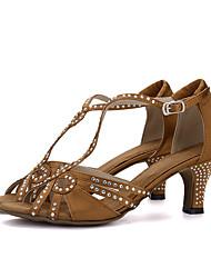 Damen Latin Seide Sandalen Absätze Aufführung Strass Verschlussschnalle Keilabsatz Schwarz Braun Rot Grün Hautfarben2,5 - 4,5 cm 5 - 6,8