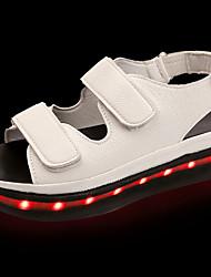 Для женщин Сандалии Для прогулок Светодиодные подошвы Полиуретан Лето Повседневные LED На плоской подошве Белый Черный 4,5 - 7 см