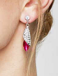 Femme Boucles d'oreille goutte Elegant bijoux de fantaisie Mode Bijoux Fantaisie Cristal Alliage Goutte Bijoux Pour Soirée Anniversaire