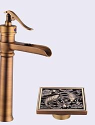 По центру Керамический клапан Ванная раковина кран