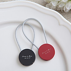 Zinc Alloy Keychain Favors-4 Piece/Set Keychains Classic Theme Personalized Black / Red