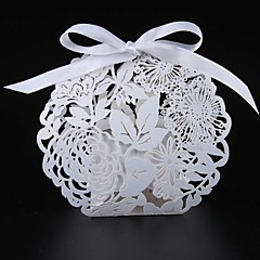 50pcs/lots flower and leaf candy box wedding favor box laser cut flower gift box party supplies wedding box