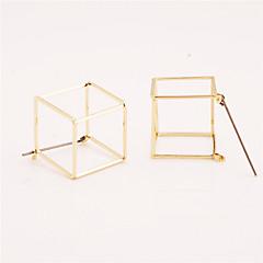 スタッドピアス ジュエリー 幾何学形 ファッション あり 欧米の 銅 幾何学形 ゴールド ブラック シルバー ジュエリー のために 日常 カジュアル 1ペア
