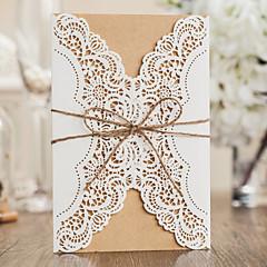 Zamotajte & Pocket Vjenčanje Pozivnice 10 Piece / Set-Pozivnice Classic Style Reljefni papir