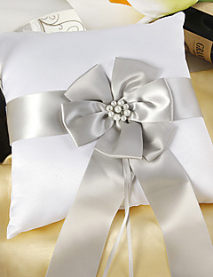 fehér szatén Gyűrűpárna ezüst szárny és a harangzúgás
