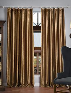 zwei Panele Window Treatment Neoklassisch , Solide Polyester Stoff Verdunklungsvorhänge Vorhänge Haus Dekoration For Fenster