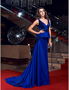 Fiesta formal Vestido - Azul Real Corte Recto Barrer / cepillo tren - Escote en V Satén Elástico Tallas grandes