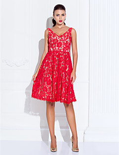 Homecoming Cocktail Party/Homecoming/Holiday/Prom Dress - Ruby Plus Sizes A-line/Princess V-neck Knee-length Lace