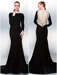 Prom / Formal Evening Dress - Black Plus Sizes / Petite Trumpet/Mermaid Bateau Chapel Train Velvet