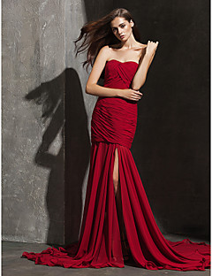 Formal Evening Dress - Burgundy Plus Sizes / Petite Fit & Flare Strapless / Sweetheart Court Train Chiffon
