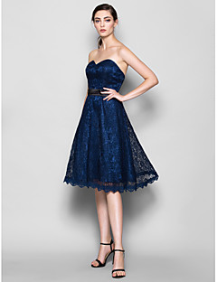 Knee-length Lace Bridesmaid Dress - Dark Navy A-line Sweetheart