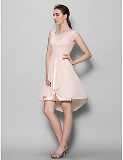 Lanting Bride® A-line Mother of the Bride Dress Knee-length Sleeveless Chiffon with Criss Cross