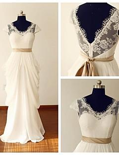 A-라인 웨딩 드레스 레이스 룩 바닥 길이 V-넥 쉬폰 / 레이스 와 러플 / 허리끈 / 리본