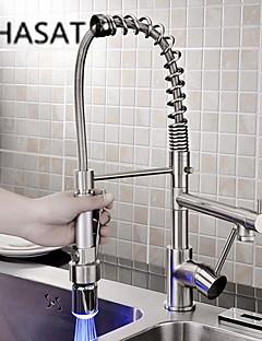 Moderni Ulosvedettävä / pull-down Pöytäasennus LED / Ulosvedettävä suihkupää with  Keraaminen venttiili Yksi kahva yksi reikä for  Kromi,