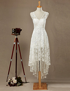 Sheath / Column Wedding Dress Floral Lace Asymmetrical V-neck Lace with Appliques Lace