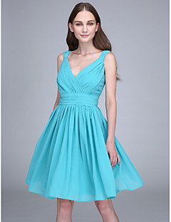 Short / Mini Chiffon Bridesmaid Dress - Sheath / Column V-neck with Criss Cross / Ruching