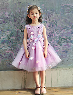 Ball Gown Knee-length Flower Girl Dress - Tulle / Charmeuse Sleeveless Jewel with Flower(s) / Lace / Pearl Detailing