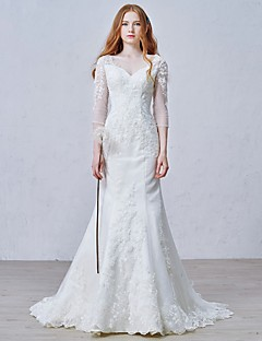 Trumpet / Mermaid Wedding Dress Court Train V-neck Tulle with Appliques