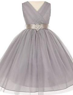 2017 plesové šaty čaj délka květin šaty - tyl bez rukávů Výstřih s kamínkem detaily