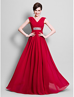 Lanting Bride® A-line Plus Size / Petite Mother of the Bride Dress Floor-length Sleeveless Chiffon with Beading / Side Draping