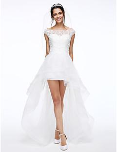 Lanting Bride® A-라인 웨딩 드레스 비대칭 보트넥 레이스 / 튤 와 꽃장식 / 비즈 / 버튼