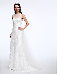 Lanting Bride® A-line Wedding Dress Court Train Jewel Lace / Tulle with Appliques / Button