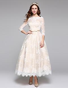 Lanting Bride® Linha A Vestido de Noiva Simplesmente Sublime Até o Tornozelo Canoa Renda Cetim com Renda Faixa / Fita
