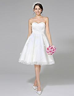 Lanting Bride® A-라인 웨딩 드레스 - 쉬크&모던 리틀 화이트 드레스 무릎 길이 스윗하트 레이스 튤 와 레이스