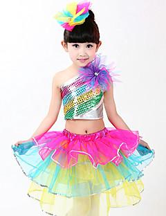 Devemos vestir roupas de jazz em níveis de desempenho infantil em 3 pedaços