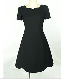 2016 summer new Korean women short-sleeved dress waist Slim waist A word bottoming little black dress Hepburn Wind