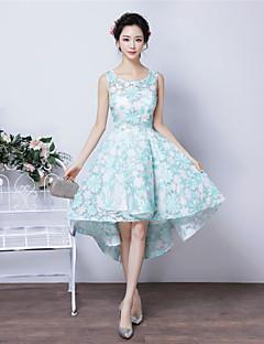 מסיבת קוקטייל שמלה - שמלת תבנית נשף עם תכשיטים א-סימטרי תחרה עם תחרה