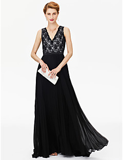 2017 LAN TING BRIDE A-line Mother of the Bride Dress - Color Block Sweep / Brush Train Sleeveless Chiffon Lace with Sash / Ribbon Pleats