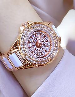 בגדי ריקוד נשים שעוני שמלה שעוני אופנה שעון יד שעון צמיד ייחודי Creative צפה שעונים יום יומיים יהלוםSimulated שעון Chinese קווארץעמיד
