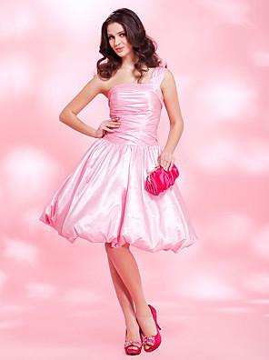 מסיבת קוקטייל / סיום לימודים / נשף / יום הולדת 16 שמלה גזרת A / נשף / נסיכה כתפיה אחת באורך  הברך טפטה עם תד נשפך / בד נשפך בצד