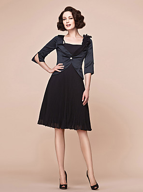 A-line Plus Size / Petite Mother of the Bride Dress - Wrap Included Knee-length Half Sleeve Chiffon / Satin with Ruffles / Pleats