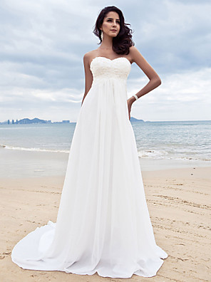 Lanting Bride® A-line Petite / Plus Sizes Wedding Dress - Classic & Timeless / Chic & Modern Court Train Sweetheart Chiffon withAppliques