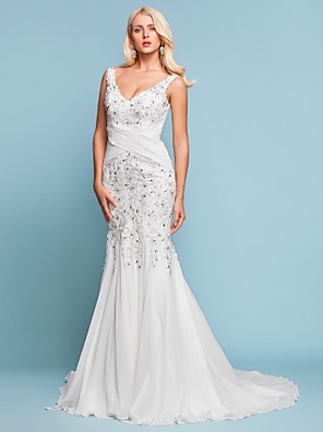 Lanting Bride Trumpet/Mermaid Petite / Plus Sizes Wedding Dress-Court Train V-neck Chiffon